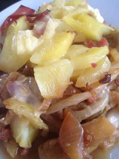 Humm ... une bonne tartiflette ... Voici une variante de la tartiflette, avec des endives ! pour 4 pers 2 pp / pers (sans pomme de terre) 4 pp / pers ( avec 100g de pomme de terre par pers) - 700 g d'endives - 400 g de pomme de terre (facultatif) - 2...