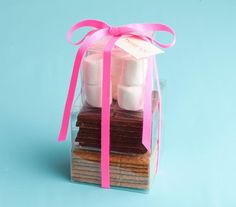Wedding Favors Idea: A make-you-own s'mores kit.