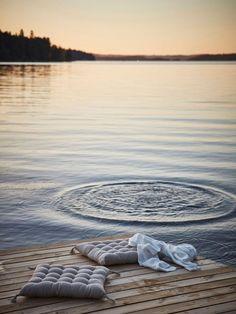 〚 Cozy Swedish house overlooking the lake 〛 ◾ Photos ◾Ideas◾ Design Summer Dream, Summer Of Love, Summer Feeling, Summer Vibes, Summer Sunset, Lake Photos, Photo Images, Swedish House, Lake Life