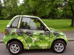 Saw a G-Wiz driving through London this weekend (with 4! people in it) and fell in love. Smaller than a smart car! Squeeeeeee!