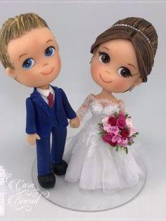 Noivinhos personalizados para topo de bolo de casamento. Enfeite do bolo. Decoração do casamento. Modelagem em Biscuit.