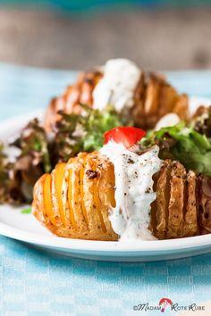 Fächer-Ofenkartoffeln, die schlicht und einfach nur mit Olivenöl und groben Meersalz gebacken, machen goldbraun und kross mit Tendenzen zu Pommes jeden glücklich.