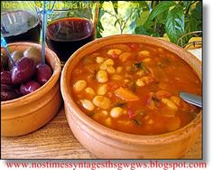 The one and only traditional greek fasolada Greek Recipes, My Recipes, Soup Recipes, Snack Recipes, Cooking Recipes, Healthy Recipes, Legumes Recipe, English Food, English Recipes
