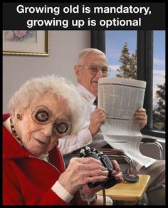 El humor, funny old people, old folks, happy old people, elderly couples Funny Old People, Old Folks, New Foto, Couple Memes, Funny Memes, Hilarious, Growing Old Together, Old Couples, Elderly Couples
