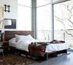 Кровать-платформа Bonnie выполнена в японском стиле. Современный дизайн воплощен с помощью старинного материала. Кровать королевских размеров и изготовлена вручную из массива грецкого ореха.              Материал: Дерево.              Бренд: Teak House.              Стили: Лофт, Скандинавский и минимализм.              Цвета: Коричневый, Темно-коричневый.