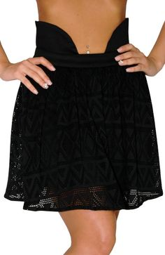 s and dress wear, super hot clubbing clothing, stylish going out shirts, partying clothes, super cute and sexy club fashions, halter and tube tops, belly and