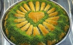 "The recipe for the ""classic"" Baklava – Lina – – Turkish Recipes – Turkish Sweets, Greek Sweets, Turkish Recipes, Italian Recipes, Ethnic Recipes, Turkish Baklava, Turkish Breakfast, Turkish Kitchen, Greek Cooking"