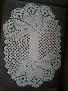 Crochet lace pattern free table runners New ideas Crochet Dollies, Crochet Doily Patterns, Thread Crochet, Filet Crochet, Hand Crochet, Crochet Toys, Crochet Lace, Crochet Table Runner, Crochet Tablecloth