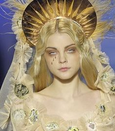 Weeping Madonna inspo Jessica Stam at Jean Paul Gaultier Spring/Summer 2007 Source by aeronwys art Jean Paul Gaultier Parfum, Paul Gaultier Spring, Jessica Stam, Madonna, Character Inspiration, Character Design, Fashion Inspiration, Mellow Yellow, Steampunk Fashion