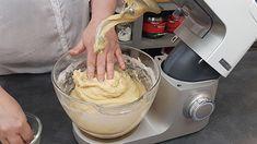 Πασχαλινά τσουρέκια | Συνταγή | Argiro.gr Bread Recipes, Icing, Yummy Food, Desserts, Tailgate Desserts, Deserts, Delicious Food, Bakery Recipes, Postres