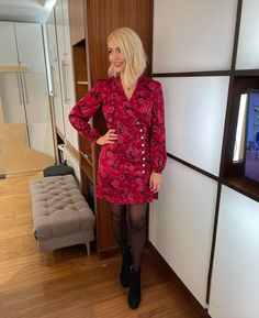 Holly Willoughby (@hollywilloughby) posted on Instagram • Jan 14, 2021 at 9:22am UTC Holly Willoughby Bikini, Holly Willoughby This Morning, Holly Willoughby Style, This Morning Fashion, Girls Dresses, Dresses For Work, Sheer Tights, Zara Skirts, In Pantyhose