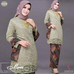 Kurung Lace batik marini RM170 free pos laju siz Kebaya Modern Hijab, Dress Brokat Modern, Kebaya Hijab, Kebaya Dress, Batik Kebaya, Kebaya Muslim, Kebaya Brokat, Muslim Fashion, Hijab Fashion