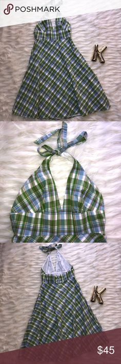 """J. Crew green plaid halter A-line dress size 8 Perfect preppy chic plaid dress from J. Crew Excellent used condition Walter tie neck and flared out A-line skirt 100% cotton and fully lined Size 8 Lay flat measurements: Armpit to armpit 15.25"""" Waist 14.5"""" Length 26.75 from waist J. Crew Dresses"""