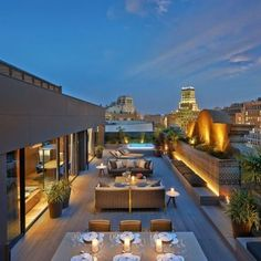 Having a rooftop that can be utilized as garden is a blessing. Rooftop garden design varies widely depending on available space as well as your building Rooftop Bars Nyc, Rooftop Lounge, Rooftop Restaurant, Rooftop Terrace, Terrace Garden, Oriental Restaurant, Oriental Hotel, Roof Terrace Design, Rooftop Design