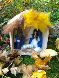 Nativity in the hut carded fairy wool and silk. di CreazioniMonica