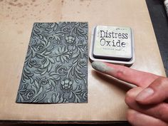 Craft projects by Bubblescrap: embossing folder faux cast iron Distress Ink Techniques, Embossing Techniques, Card Making Tutorials, Card Making Techniques, Doodle Drawing, Embossed Cards, Card Sketches, Copics, Scrapbook Cards