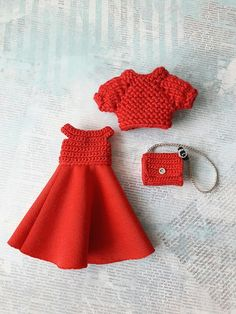 Фотографии Елены Зоновой Barbie Knitting Patterns, Barbie Clothes Patterns, Crochet Barbie Clothes, Sewing Doll Clothes, Crochet Doll Pattern, American Girl Outfits, Knitted Dolls, Crochet Dolls, Bunny Outfit