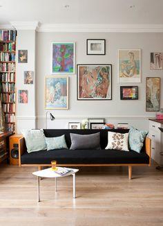 stunning and creative modern living room #art displays