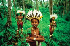 YOUNG TROBRIAND ISLAND BOYS IN TRADITIONAL BILAS   13 Spectacular Pictures of Papua New Guinea