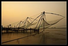 Chinese fishing nets in Cochin.     http://bamboonets.com/netting-techniques-2/