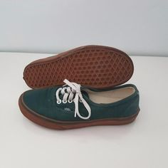 Buy VANS Low-Cut Green Shoes Women Size 8 in Sydney,Australia. Green Canvas with Gumsole Authentic Vans.   In Good Condition worn a handful of times  *** one white paint spot (see picture)  Unisex  US Women Size 8  US Men Size 6 Chat to Buy