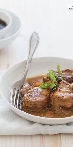 Solomillo de cerdo a las tres salsas. Receta Recipe of pork tenderloin with the three sauces. Pork Recipes, Mexican Food Recipes, Cooking Recipes, Ethnic Recipes, Salty Foods, Meat Chickens, Kitchen Dishes, Pork Dishes, I Foods