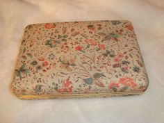 Vintage Wild Flower & Berries Fabric Covered Jewelry Travel Case W/ Hinged Lid