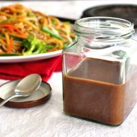 Real Chinese All Purpose Stir Fry Sauce (Charlie!) Restaurant Secret: Real Chinese All Purpose Stir Fry Sauce you can make in 2 minutes and store in the fridge for when you need it. Stir Fry Recipes, Sauce Recipes, Cooking Recipes, Sauce Ketchup Mayonnaise, Chinese Stir Fry Sauce, Chinese Brown Sauce, Easy Stir Fry Sauce, Chinese Stir Fry Noodles, Asian Stir Fry