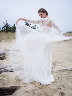 46-ConfidentielCreation-Robe-de-mariee-Collection-2015-Romantique-dos-modele-Meryl