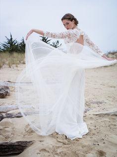 46-ConfidentielCreation-Robe-de-mariee-Collection-2015-Romantique-dos-modele-Meryl
