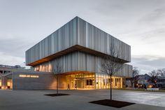 Speed Art Museum, Louisville, Ky., Renovation and expansion. Why with K. Norman Berry Associates Architects.