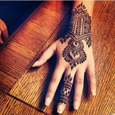 Looks like a bracelet. Henna art tattoo.