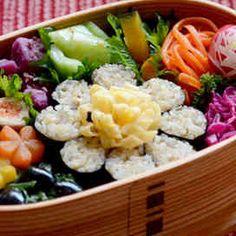 写真 Bento, Potato Salad, Sushi, Potatoes, Lunch Boxes, Ethnic Recipes, Food, Eten, Potato