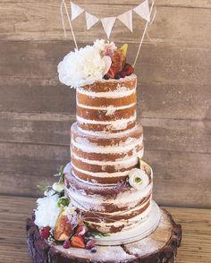 Beautiful naked wedding cake for boho wedding - Choosing a wedding cake may seem like one of those minor details to take care of during your wedding