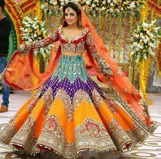 25 Trendy Lehenga designs for Navratri & Garba 2019 - Buy lehenga choli online Indian Bridal Outfits, Indian Bridal Lehenga, Indian Bridal Wear, Pakistani Wedding Dresses, Indian Designer Outfits, Indian Dresses, Pakistani Mehndi Dress, Wedding Lehnga, Wedding Wear