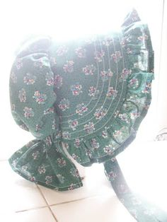 Little House on the Prairie Sunbonnet. Free pattern.