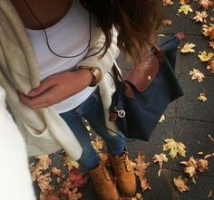 Casual autumn outfit.