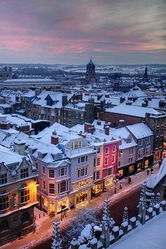 "cccartwheelsinyourhonour: "" Snowy Oxford, England """