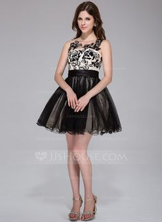 A-Line/Princess Scoop Neck Short/Mini Tulle Charmeuse Homecoming Dress With Ruffle Lace (022027070)