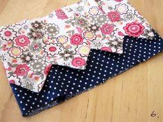 How to Make a Patchwork Drawstring Bag ~ DIY Tutorial Ideas! Drawstring Bag Pattern, Small Drawstring Bag, Tote Pattern, Patchwork Bags, Quilted Bag, Bag Patterns To Sew, Sewing Patterns, How To Make A Gift Bag, Diy Bags Tutorial