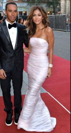 Nicole Scherzinger Strapless Dress - Sticking to classic glamour for her GQ Men of the Year Awards look, Nicole Scherzinger wore a textured, figure-hugging Ermanno Scervino strapless gown in palest pink. Nicole Scherzinger, The Dress, Dress Skirt, Celebrity Gossip, Celebrity Style, Gq Men, Lewis Hamilton, Anthony Hamilton, Stylish Clothes