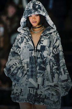 Rihanna's Puma fashion show Street Style Rihanna, Mode Rihanna, Rihanna Love, Rihanna Riri, Estilo Jenner, Look Fashion, Fashion Outfits, Rihanna Outfits, Divas