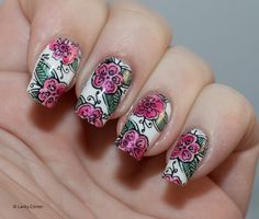 Leadlight stamping with @moyoulondon and @mentalitypolish Glazes.
