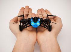 Un robot qui saute et un drone qui roule