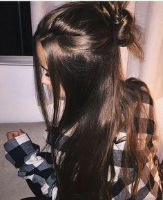 - My list of womens hair styles Pretty Hairstyles, Easy Hairstyles, Hairstyle Ideas, Bun Hairstyle, Baddie Hairstyles, Hair Day, New Hair, Long Hair Tumblr, Jolie Photo