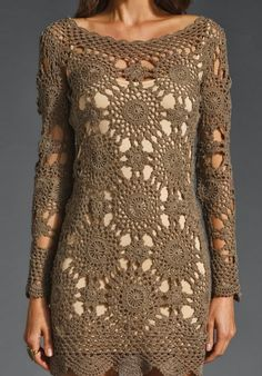 Crochet dress I love the collar around all the motifs Crochet Shirt, Crochet Cardigan, Crochet Lace, Knit Dress, Crochet Girls, Crochet Woman, Crochet Wedding Dresses, Crochet Fashion, Beautiful Crochet