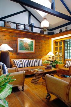 Filipino living in a modern bahay kubo for Dining room designs philippines