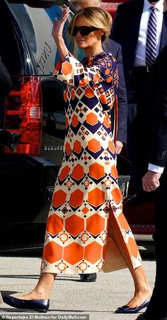 Melanie Trump, Milania Trump Style, Donald And Melania, Jessica Parker, First Lady Melania Trump, Over 50 Womens Fashion, Classy Women, Classy Outfits, Marie