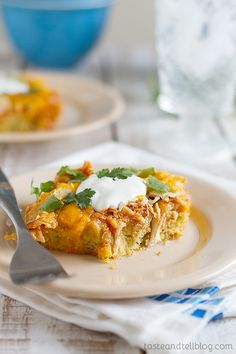 An easy way to have the flavors of tamales on a weeknight, this Chicken Tamale Casserole is super easy and packed with flavor. Mexican Dishes, Mexican Food Recipes, New Recipes, Cooking Recipes, Favorite Recipes, Dinner Recipes, Chicken Tamale Pie, Chicken Tamales, Cinco De Mayo
