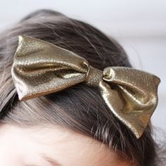 Make this simple and easy floppy bow headband ! #welsh revival